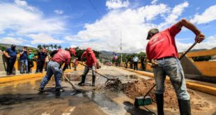 Guardia venezolana habilita el paso fronterizo tras crecida del río Táchira